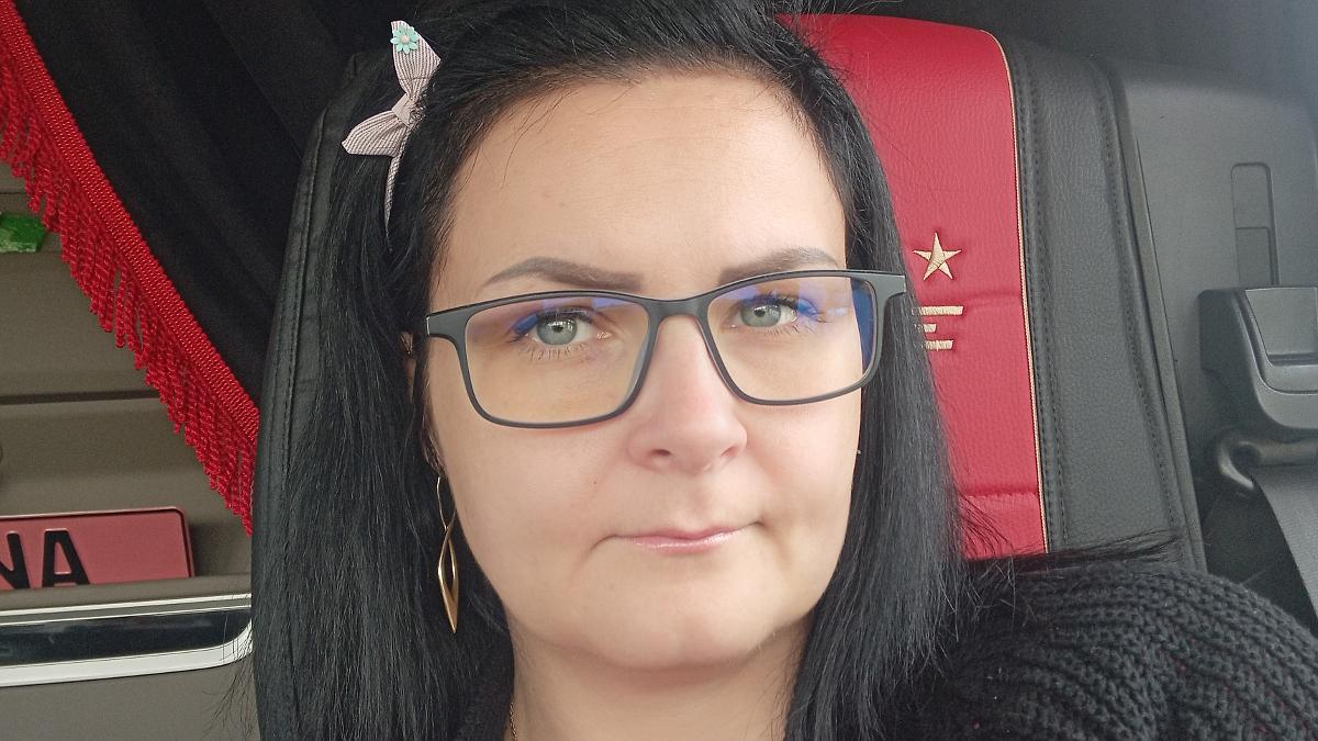 """Paulina z Jarocina jeździ ciężarówką po Europie. O swojej pracy opowie w """"Pytaniu na śniadanie""""       - Zdjęcie główne"""