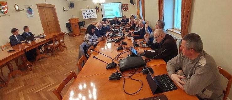 Sesja w Jarocinie. Będą głosować nad odwołaniem dyrektora, który jest radnym  - Zdjęcie główne