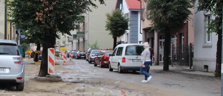 Mieszkańcy Jarocina alarmują - na ulicy jest niebezpiecznie - Zdjęcie główne