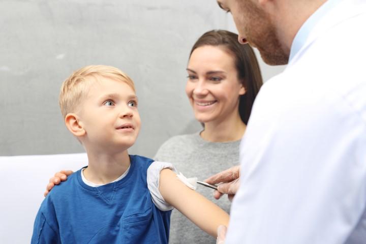 Koronawirus. Kiedy ruszą szczepienia dzieci? Nowe decyzje rządu - Zdjęcie główne
