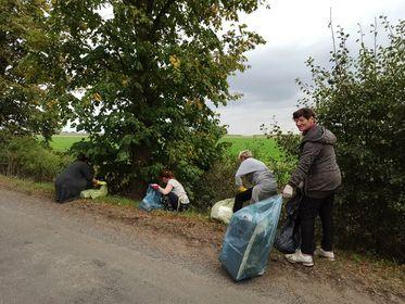 To była wielka mobilizacja. Mieszkańcy Wronowa posprzątali okolicę!  - Zdjęcie główne