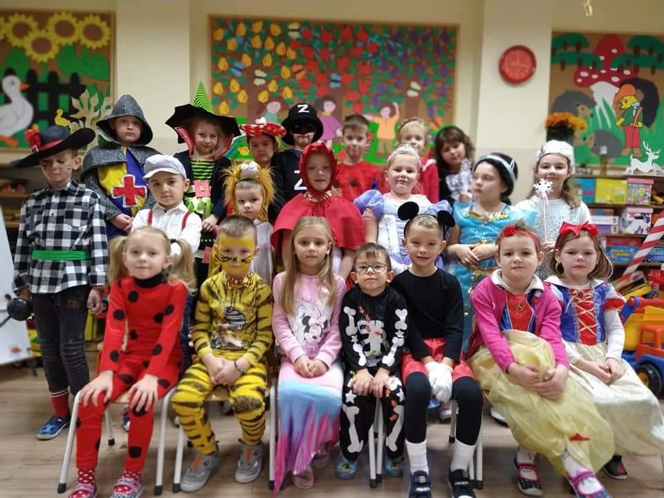 Bohaterowie bajek w przedszkolu w Chwaliszewie - Zdjęcie główne