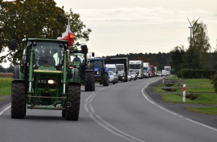 Powiat krotoszyński. Protest. Rolnicy wyjechali na drogi [FOTO I WIDEO] - Zdjęcie główne