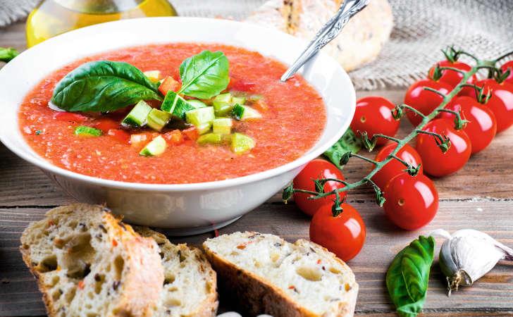 Pomidorówka na zsiadłym mleku [PRZEPIS] - Zdjęcie główne