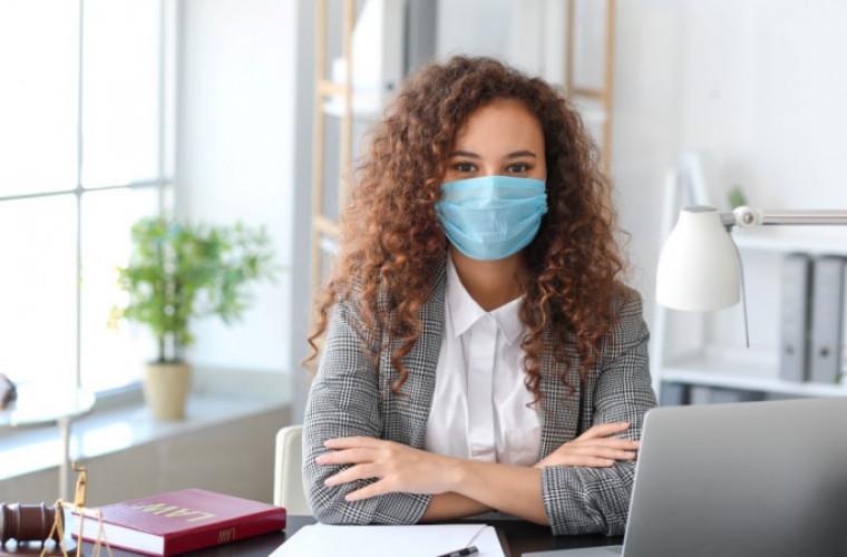 Koronawirus - nowe obostrzenia. W pracy musisz nosić maseczkę! - Zdjęcie główne