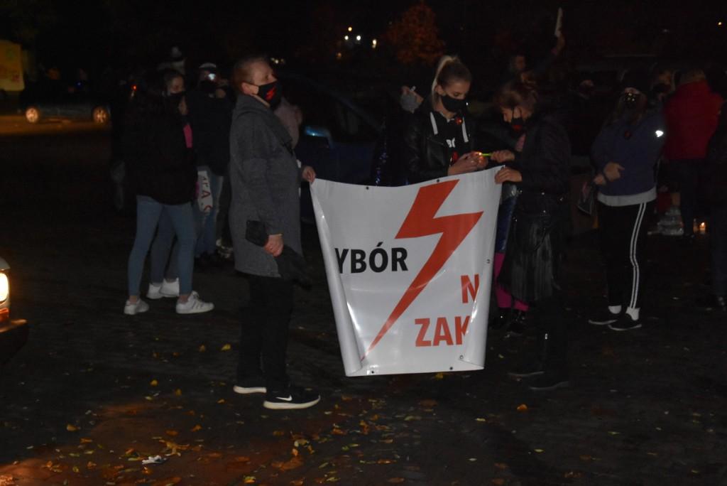Protest kobiet w Koźminie Wlkp. - Zdjęcie główne