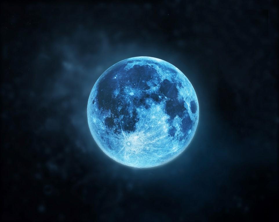 Niebieski Księżyc - warto dziś patrzeć w niebo! - Zdjęcie główne