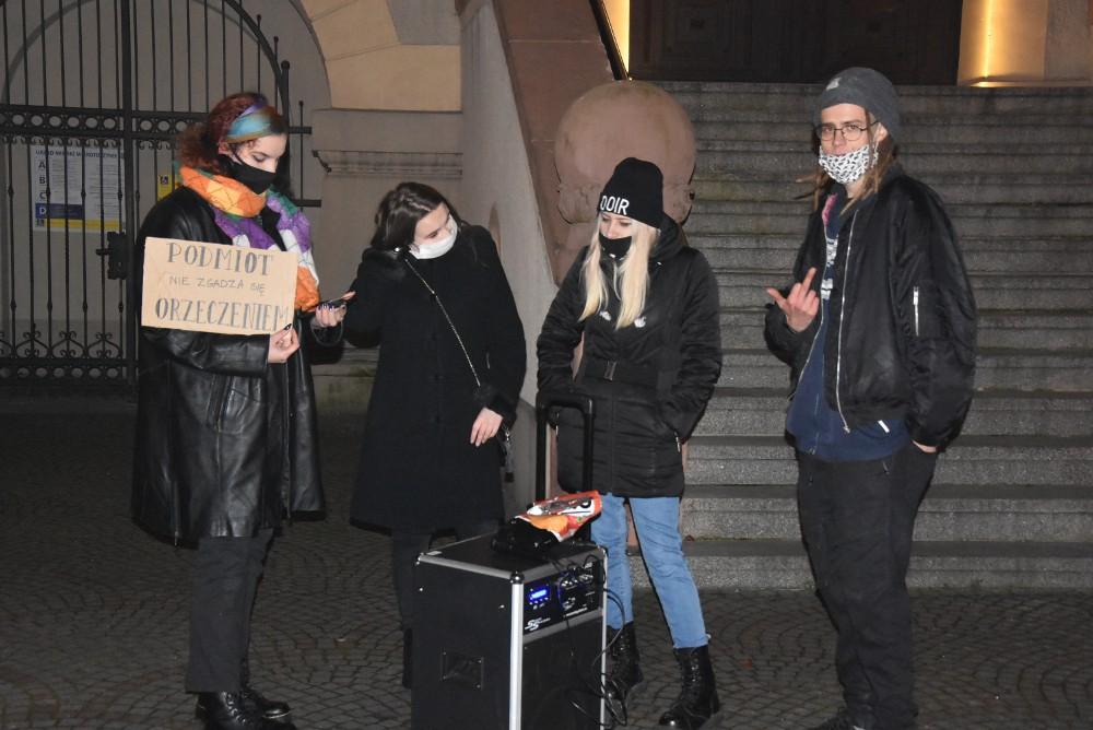 Protest kobiet w Krotoszynie - Zdjęcie główne
