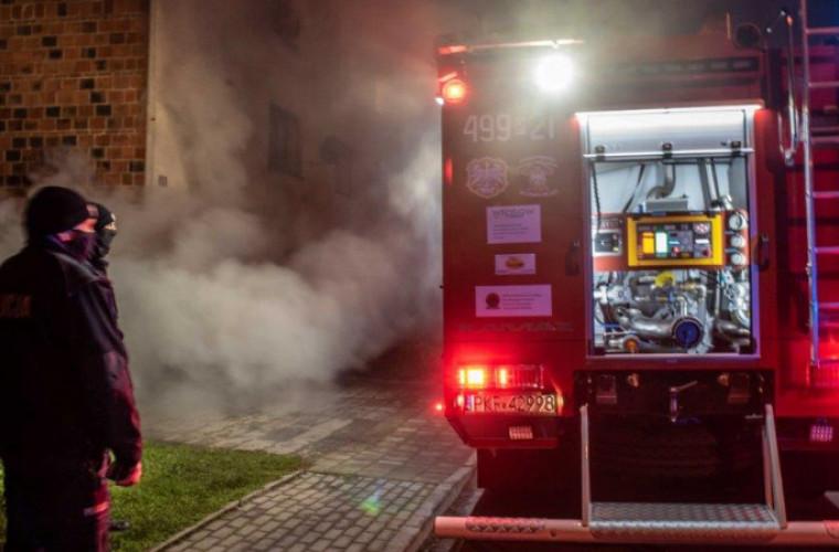 Gmina Koźmin Wlkp. Policjanci zauważyli pożar. Wezwali strażaków [FOTO] - Zdjęcie główne