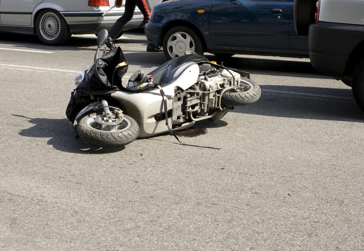 Krotoszyn. Wypadek przy przedszkolu. Motorowerzysta był pijany - Zdjęcie główne