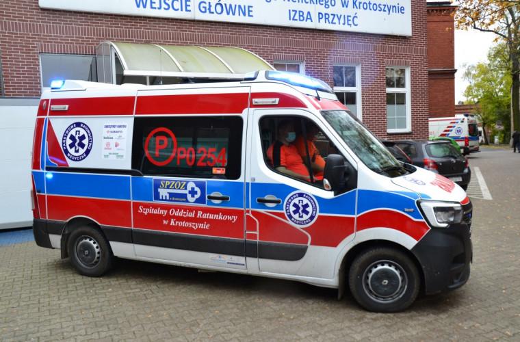 Kobylin. Ratownicy medyczni – dzięki sponsorom - mają nową karetkę! [FOTO] - Zdjęcie główne