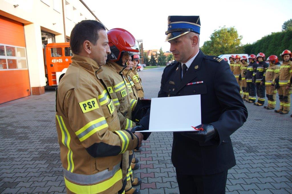 Krotoszyn. Dariusz Kulawski po 30 latach służby przeszedł na emeryturę - Zdjęcie główne
