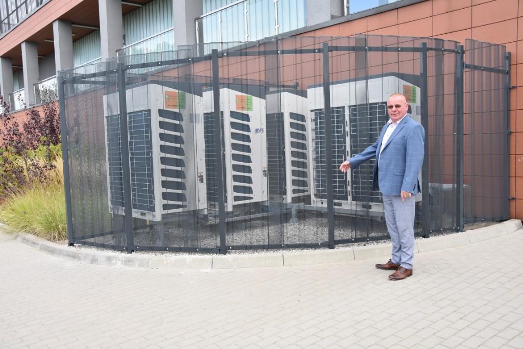 Krotoszyn. Klimatyzacja w hali widowiskowo - sportowej - Zdjęcie główne