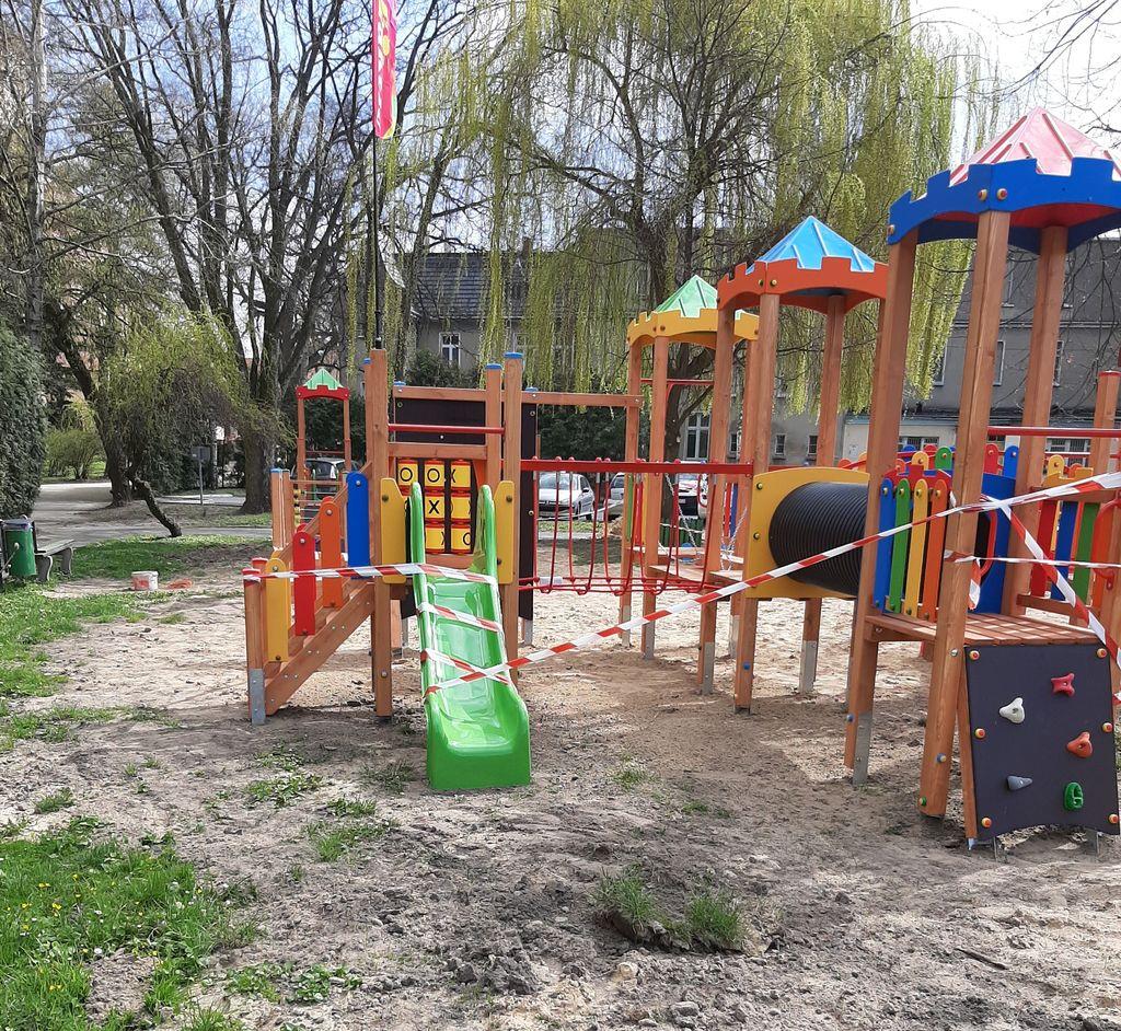 Koźmin Wlkp. Nowy plac zabaw [ZDJĘCIA] - Zdjęcie główne