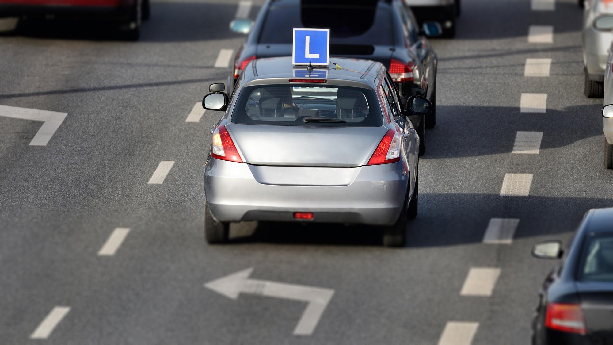 Powiat krotoszyński. Kursy dla przyszłych kierowców. Jak uzyskać prawo jazdy? Krok po kroku - Zdjęcie główne