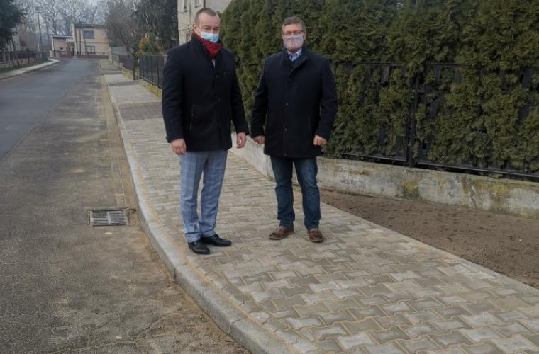 Nowe chodniki w gminie Kobylin [ZDJĘCIA] - Zdjęcie główne