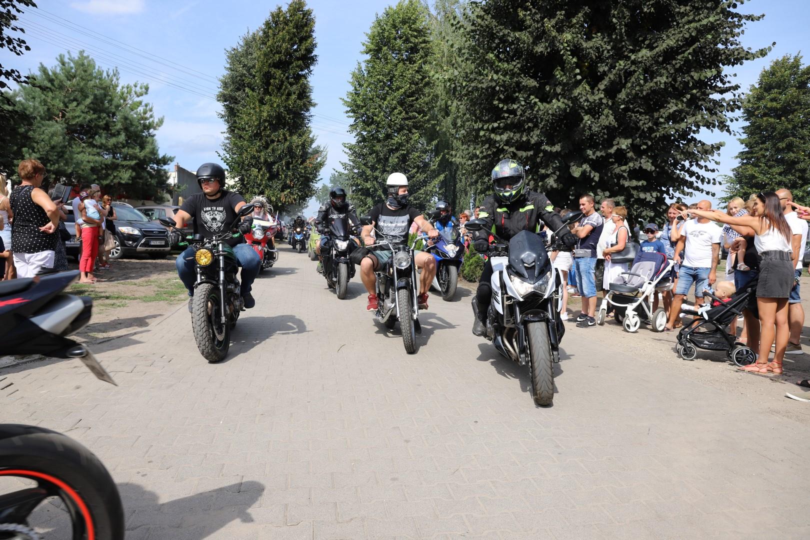 Piknik i parada motocykli w Kobylinie [ZDJĘCIA] - Zdjęcie główne