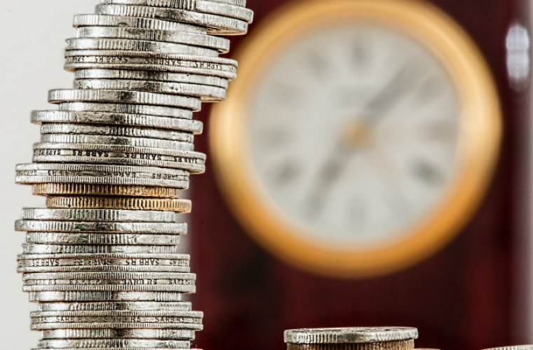 Kredyt konsolidacyjny i chwilówki – sposoby na wyjście z długów - Zdjęcie główne