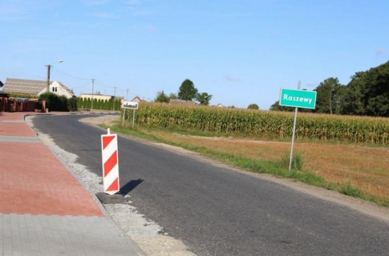 Gmina Kobylin. Ścieżka rowerowa już prawie gotowa [ZDJĘCIA] - Zdjęcie główne