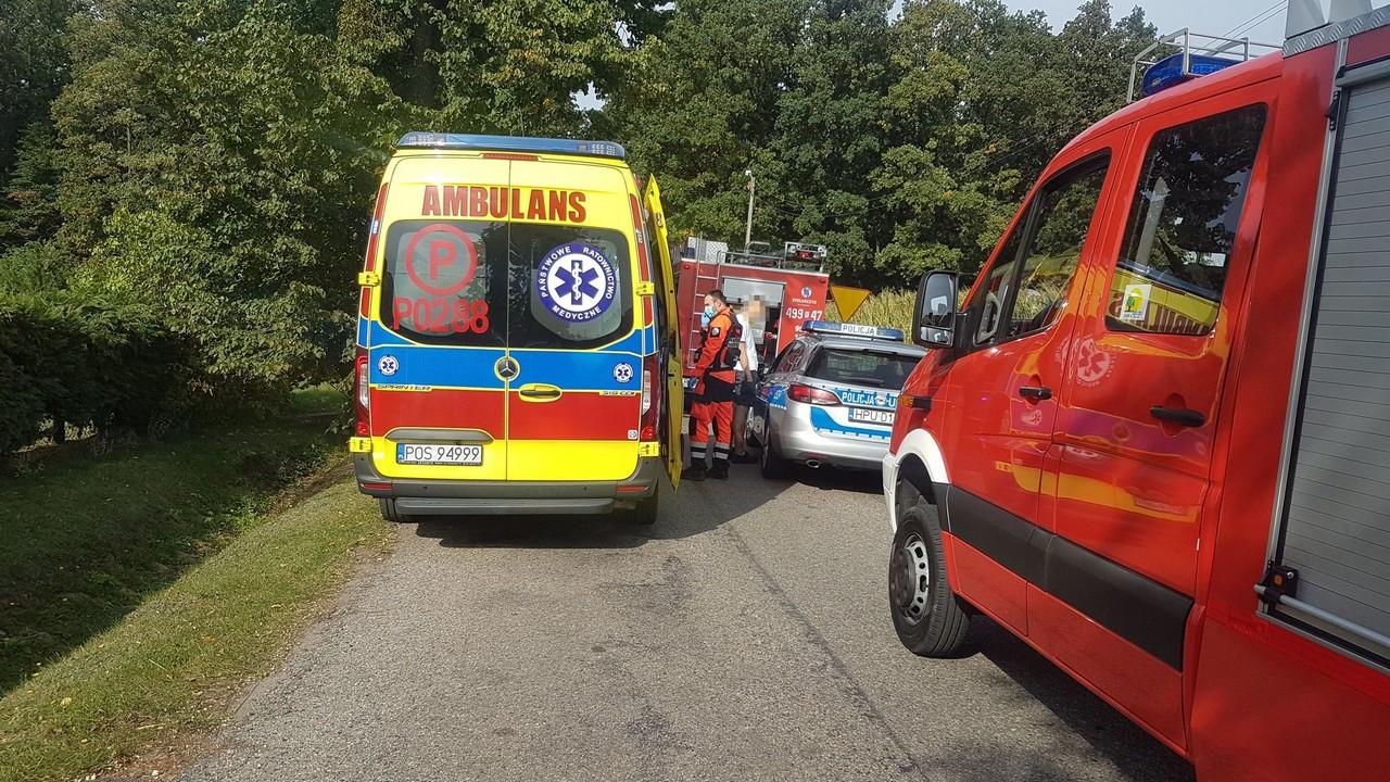Groźny wypadek w Biadkach. Dwie osoby trafiły do szpitala   - Zdjęcie główne