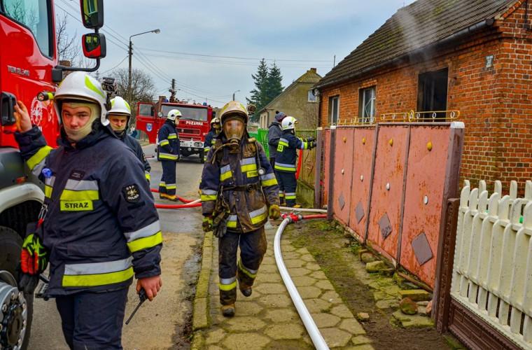 Gm. Koźmin Wlkp. Mężczyzna w pożarze stracił dorobek życia [FOTO] - Zdjęcie główne