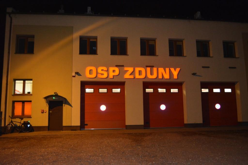 Powitanie nowego samochodu w OSP Zduny - Zdjęcie główne