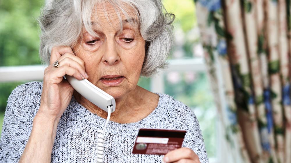 Niedługo wypłata 14. emerytury. Oszuści już czyhają na emerytów - Zdjęcie główne