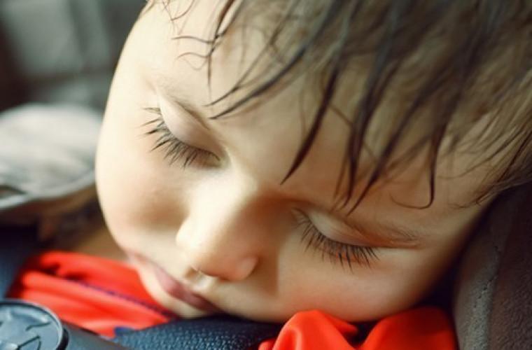 Dziecko zmarło w nagrzanym samochodzie!  - Zdjęcie główne
