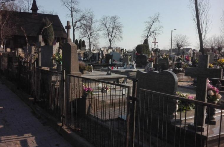 Powiat Krotoszyński. Zmiana organizacji ruchu przy cmentarzach [MAPY] - Zdjęcie główne