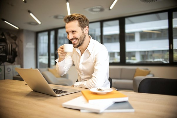 Jak wybrać najlepszy ekspres do kawy do biura - Zdjęcie główne