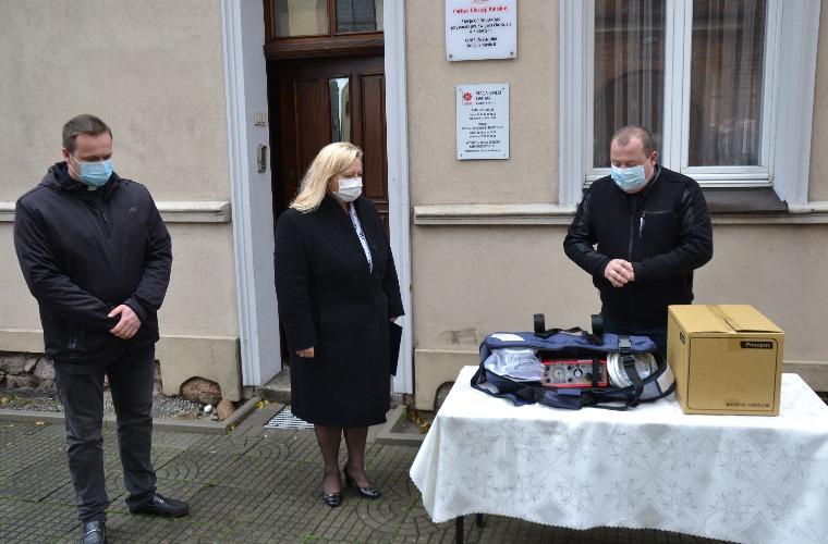 Krotoszyn. Szpital bogatszy o respirator ufundowany przez Caritas Polska - Zdjęcie główne