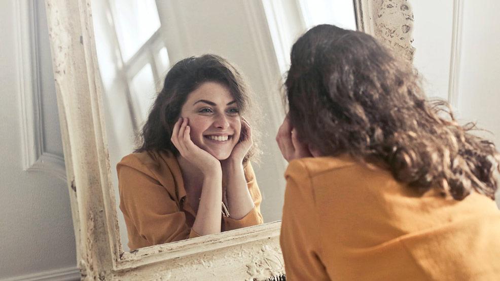 Jak działa lampa Sollux? Wskazania i przeciwwskazania do zabiegu kosmetycznego - Zdjęcie główne