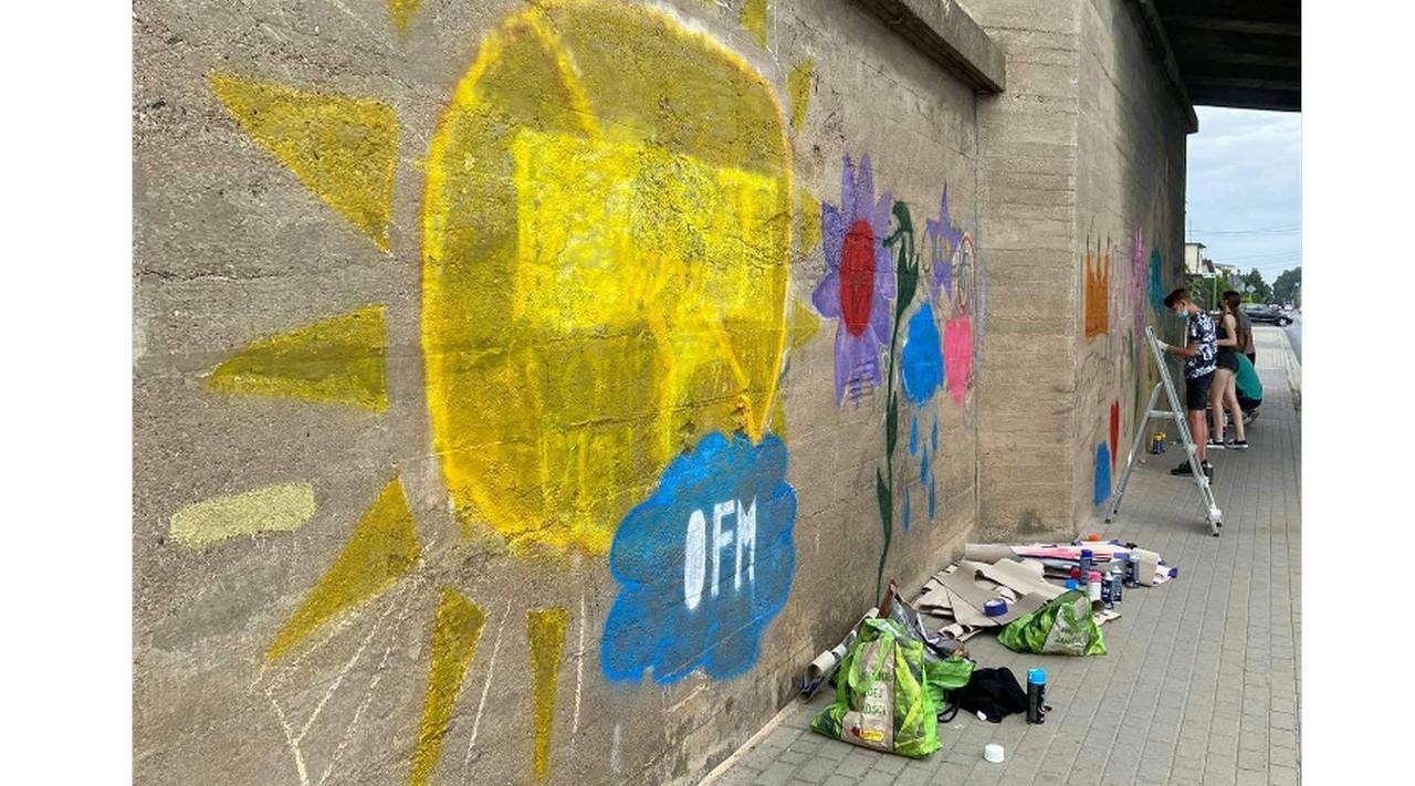 Grupka młodych ludzi wpadła na świetny pomysł! Wspólnie zrobili niezwykłą rzecz!  - Zdjęcie główne