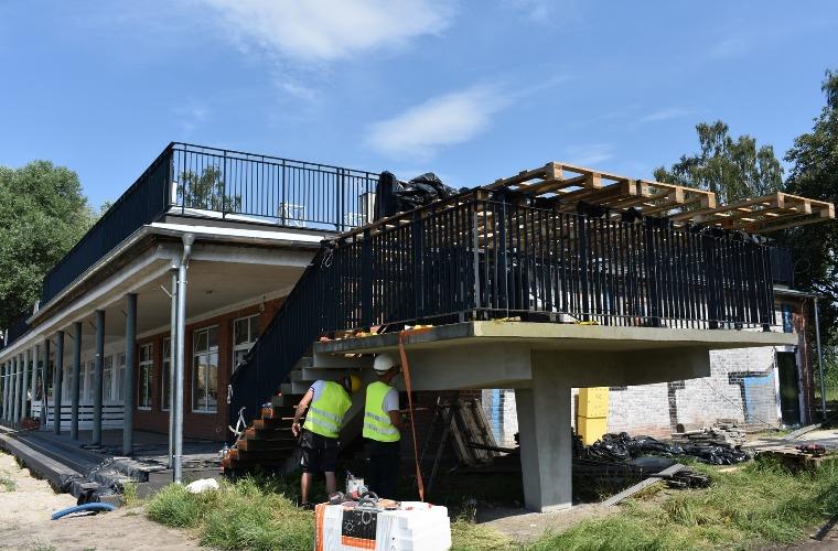 Krotoszyn. Radni wizytują plac budowy na Błoniach [ZDJĘCIA] - Zdjęcie główne