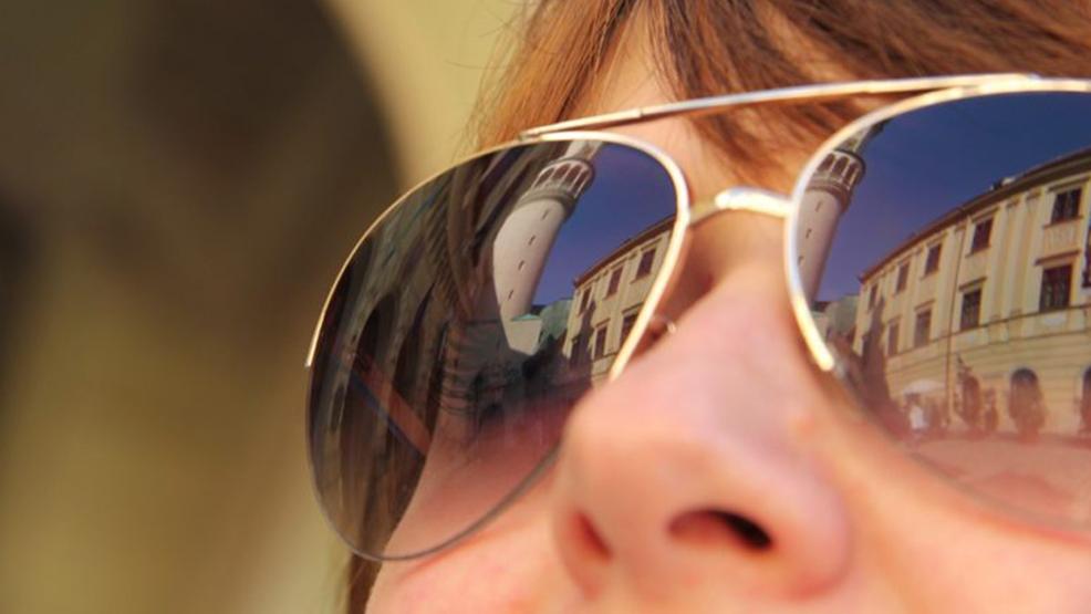 Okulary przeciwsłoneczne to konieczność - Zdjęcie główne