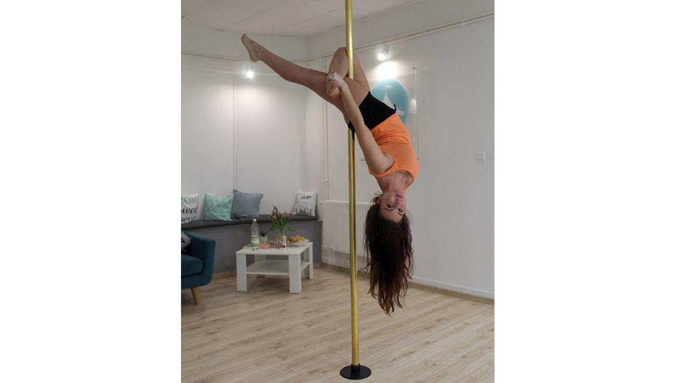 Pole dance czy taniec na rurze – sport dla silnych kobiet  - Zdjęcie główne