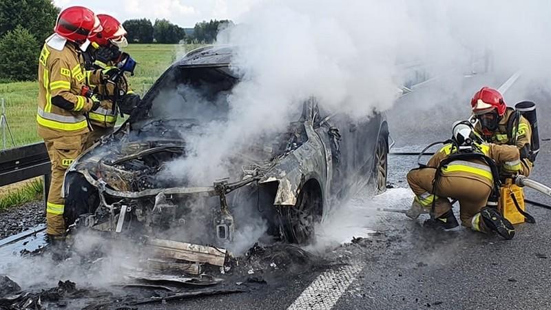 Pożar samochodu na S5. Utrudnienia w ruchu - Zdjęcie główne