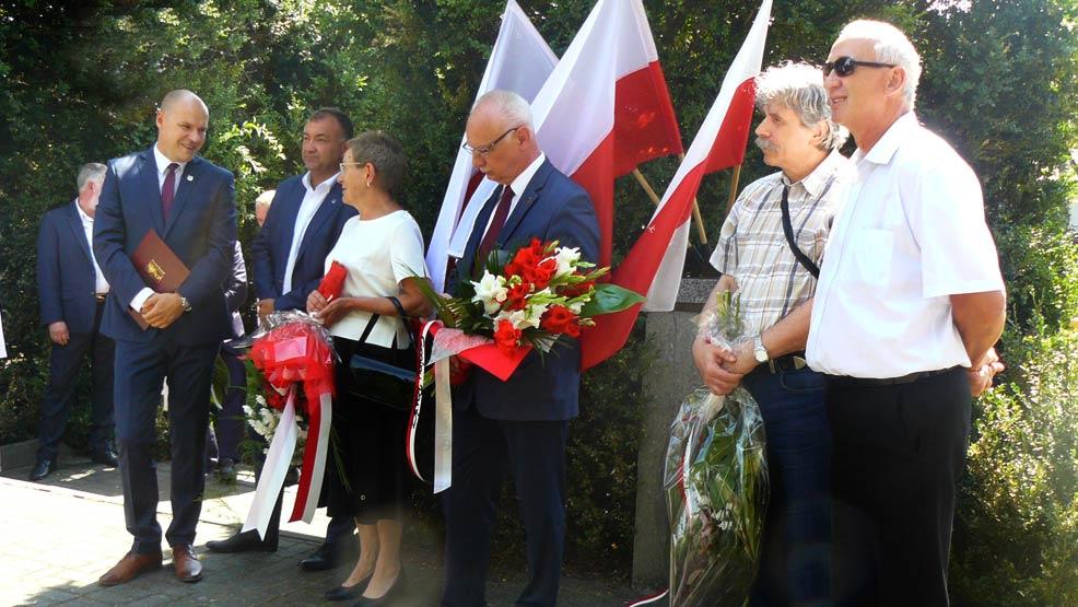 """W Rawiczu upamiętniono 101. rocznicę """"Cudu nad Wisłą""""  - Zdjęcie główne"""
