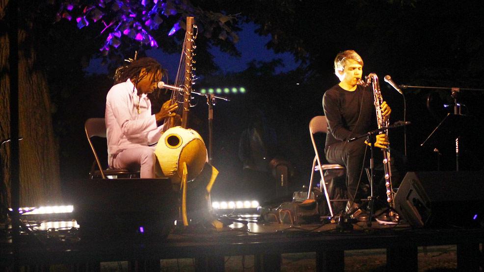 Trzy bisy po koncercie duetu Buba Badjie Kuyateh & Michał Górczyński - Zdjęcie główne
