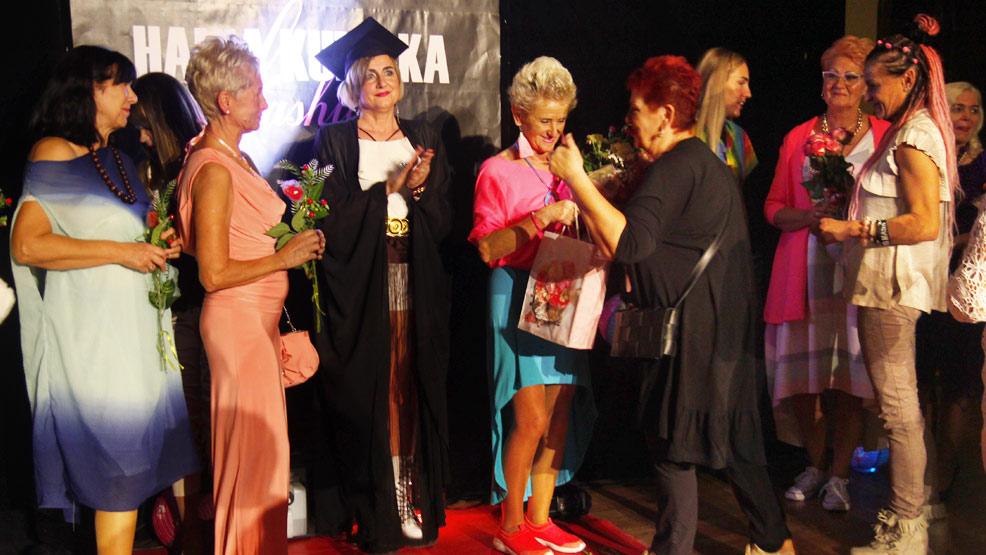 """Pokaz mody Hani Kunickiej """"Z kolorami przez życie"""" - Zdjęcie główne"""