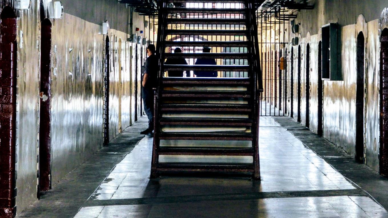 Znany pisarz w więzieniu - Zdjęcie główne