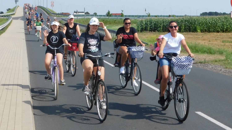 Wakacyjna Rowerówka. 200 osób wsiadło na rowery - Zdjęcie główne