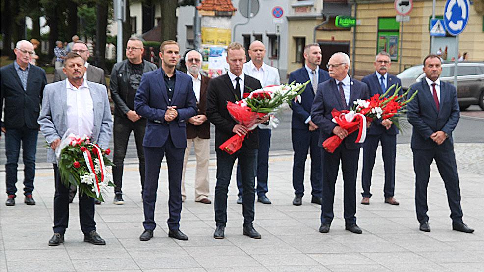 Upamiętnienie 77. rocznicy wybuchu Powstania Warszawskiego - Zdjęcie główne