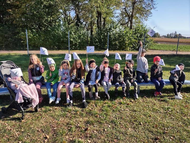 Mieszkańcy Jutrosina przyłączyli się do ogólnopolskiej akcji sadzenia drzew - Zdjęcie główne