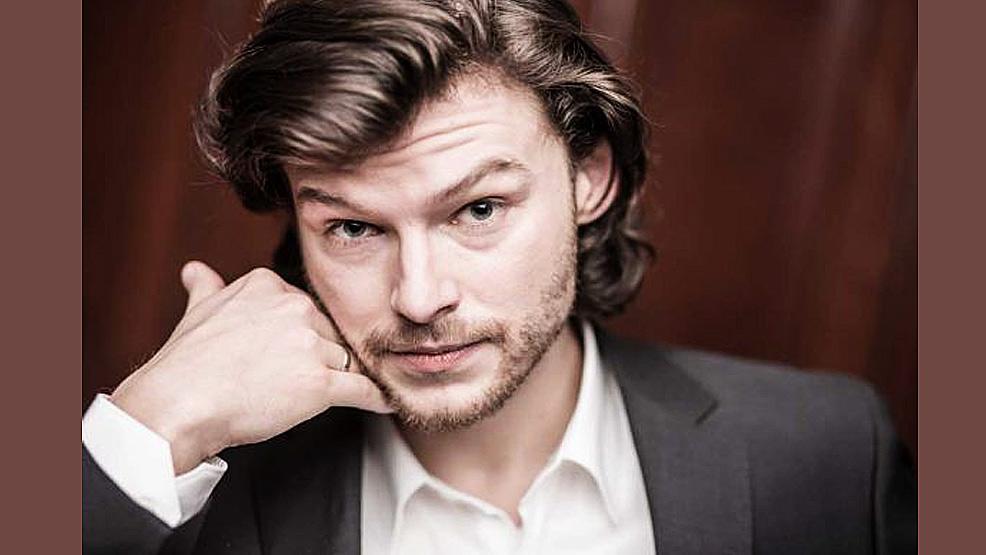 Spotkanie ze znanym aktorem Mateuszem Kościukiewiczem - Zdjęcie główne