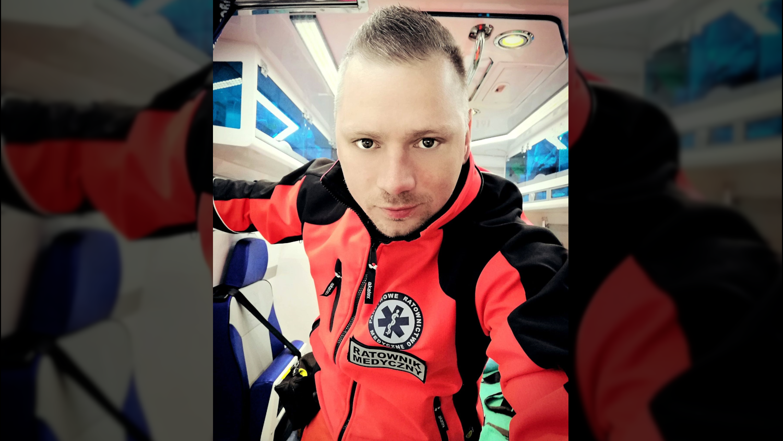 """Jakub Nelle o pracy w pogotowiu: """"Czuję się trochę jak żołnierz na wojnie"""" - Zdjęcie główne"""