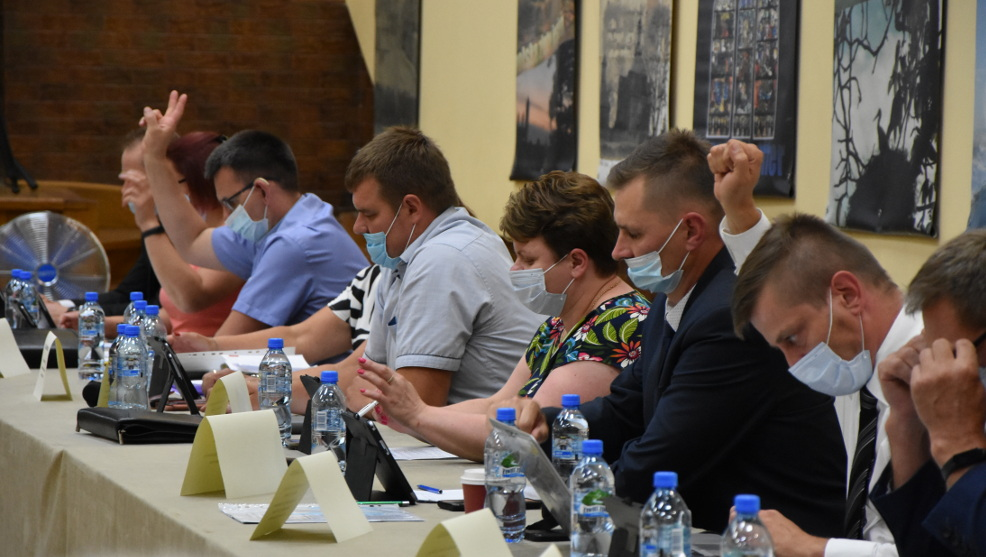 Radny Grzywaczewski złożył skargę na decyzję rady. Sprawa trafi do sądu - Zdjęcie główne