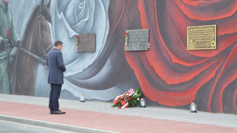 Rawicz. Krótka wizyta premiera Mateusza Morawieckiego [ZDJĘCIA] - Zdjęcie główne