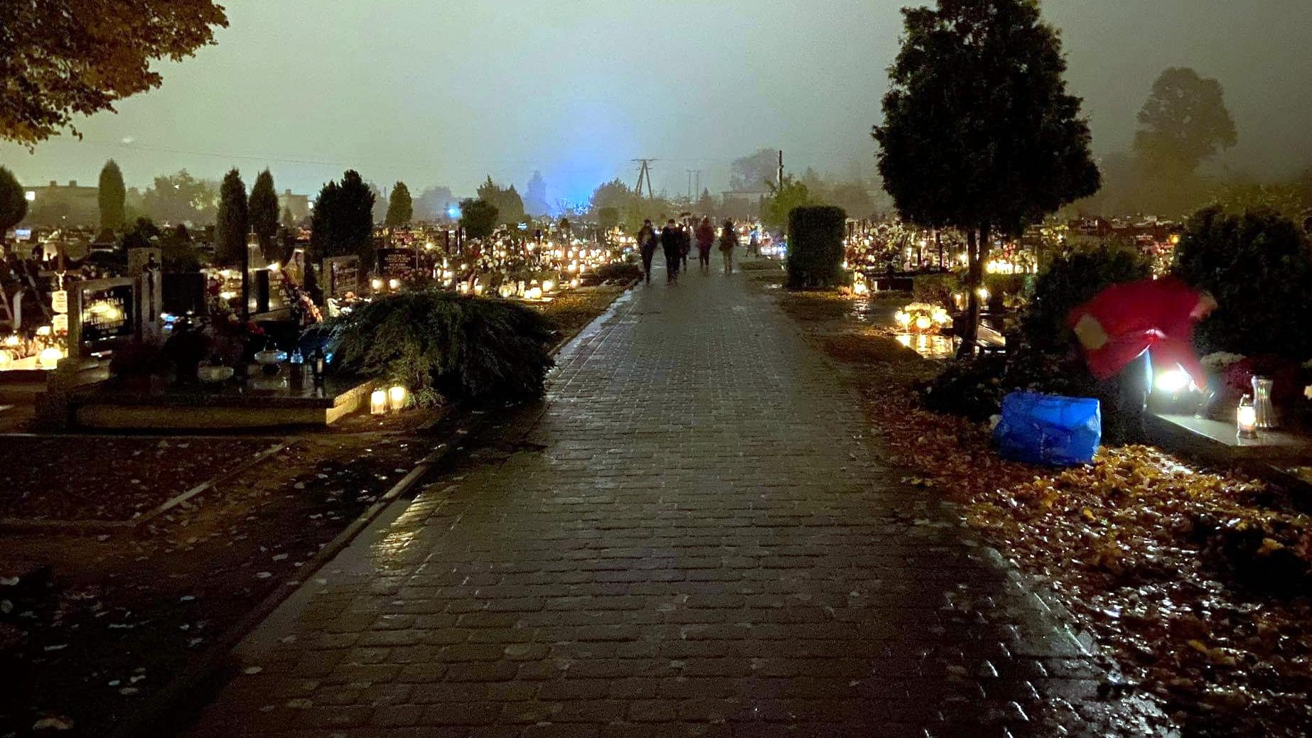 1 listopada zamkną cmentarze? Minister zdrowia odpowiada - Zdjęcie główne