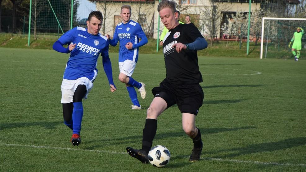 Piłka nożna. Przegląd wydarzeń ligowych [ZDJĘCIA] - Zdjęcie główne